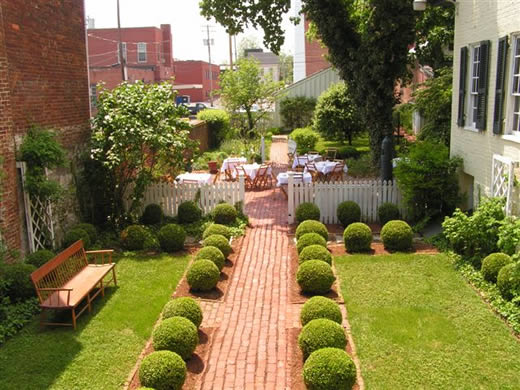 landscaping+ideas+for+small+gardens
